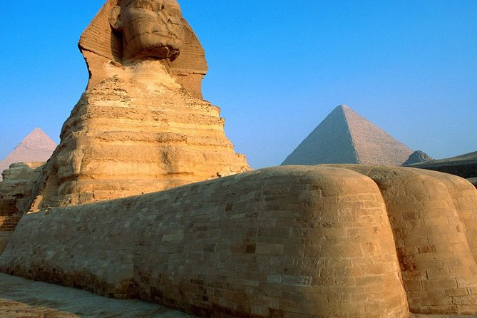 Full-Day Tour of Giza Pyramids and Egyptian Museum and Bazaar
