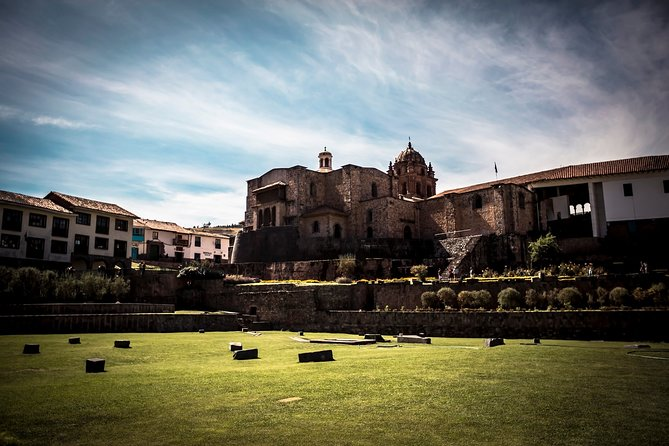 Cusco city tour with visit to archaeological nearby sites and local market