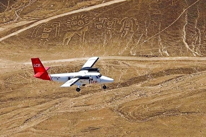 Amazing Nazca Lines, Huacachina Oasis & Sandboarding from Lima (Small Group)