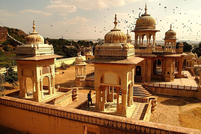 Jaipur- Transfers+Hotel+Sightseeing (3 Days)