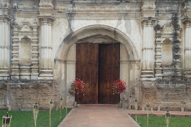 Antigua Sightseeing: Private Walking Tour Culture and History