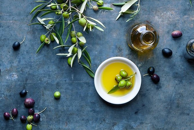 Semi Private or Private Wine and Olive Oil tasting tour (Transfer & Lunch Incl.)