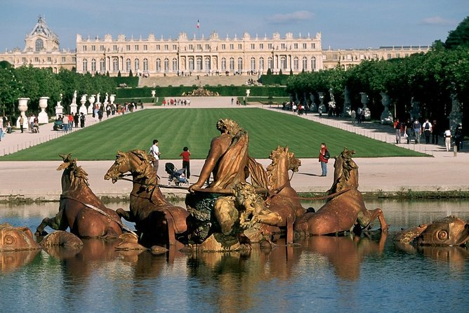 Paris Versailles : Skip-the-Line with Audio Guide Tour