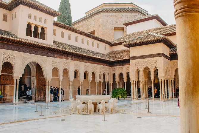 Enjoy Granada: Alhambra, Flamenco Show and Walking tour Albaycin & Sacromonte