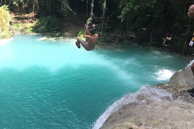 Private Blue Hole and Shopping Tour from Ocho Rios