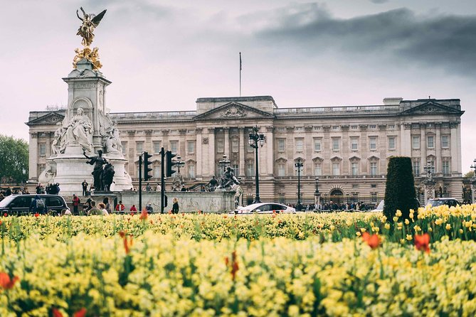 Palaces and Parks Historical Walking Tour in Westminster - Private tour!