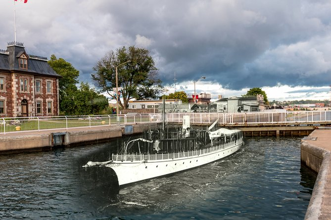 Waterfront Attractions Tour in Sault Saint Marie