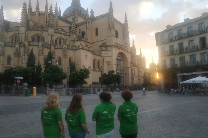 Walking Route Anecdotes and curiosities at sunset in Segovia