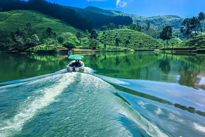 Private Day Tour to Sembuwatta Lake