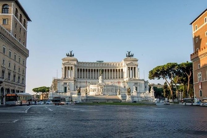Private city tour in Rome with driver including Local guide