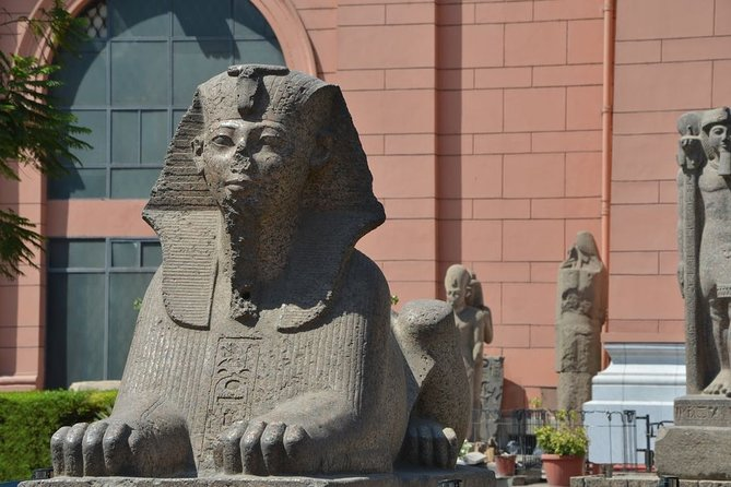 Private Half-Day Tour of Grand Egyptian Museum and Pyramids
