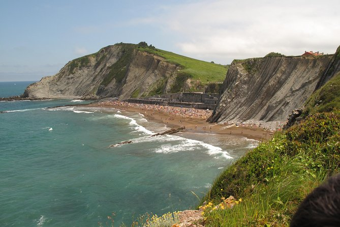 Private Tour of Game of Thrones from Biarritz (Two towns) with optional guide