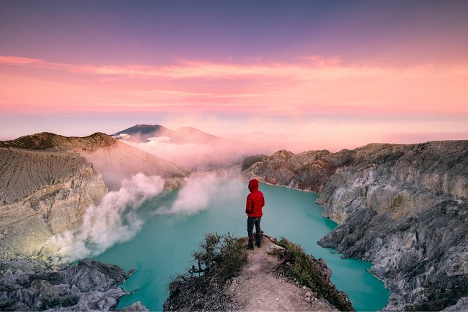 Mount Ijen Crater Volcano Midnight Trekking Private Tour from Bali – Full Day