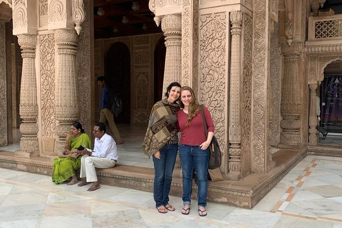 Private Full-Day Tour Temples of Mumbai with Pick-Up