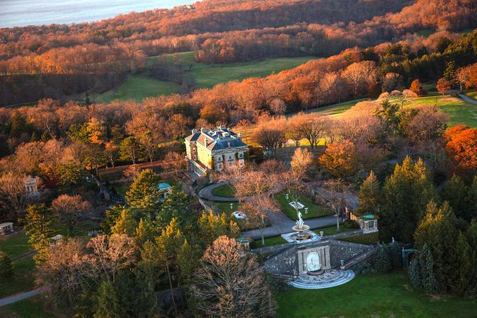 Couple's Private Hudson Valley Fall Foliage Helicopter Charter from Manhattan