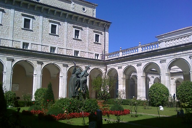 Montecassino Abbey Fullday from Rome