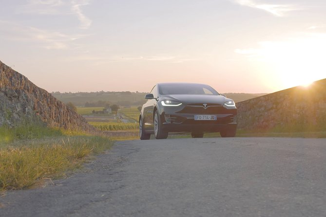 Afternoon in Saint-Emilion with a Tesla (5h)