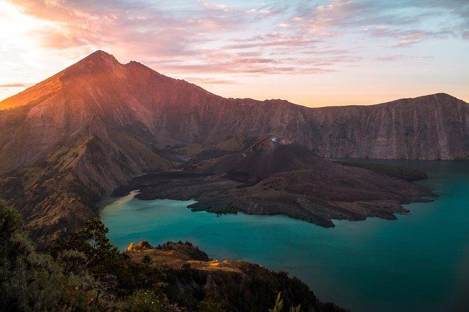 Mount Rinjani Sunrise Trekking (one day)