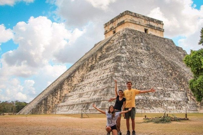 Chichen Itzá Full-Day Tour with Cenote Experience and Meals
