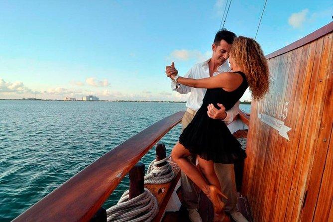 Enjoy a Romantic Night Cruise Dinner at COLUMBUS in Cancun & Fall in love again!
