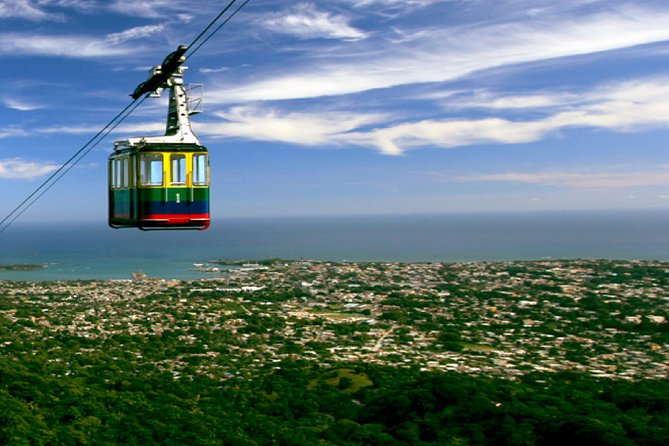 PRIVATE SMALL GROUP: Cable Car and Historic Town Highlights