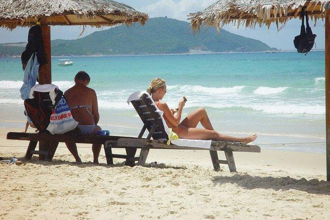 9-Day Mini Group Tour to India Golden Triangle & Goa Beaches