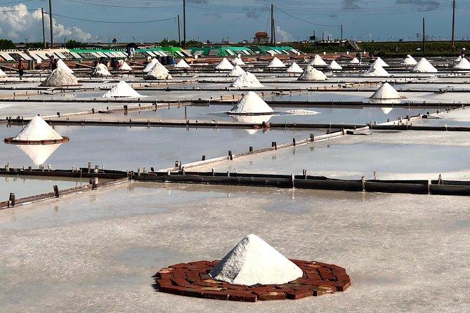 Ni Hao Tainan: Jingzaijiao Tile-paved Salt Fields and Jiangjun Seafood Market
