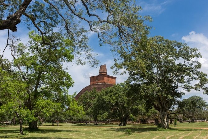 Glimpse of Anuradhapura and Mihthale – One Day Tour