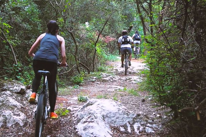 Urban Jungle Trail Cycling Tour from Mount Lavinia