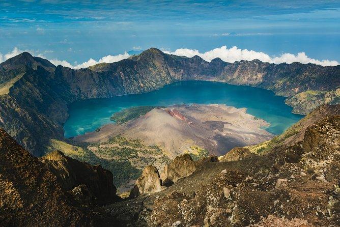 2D/1N Mount Rinjani Trekking & Crater Rim Private Tour – 2 Days