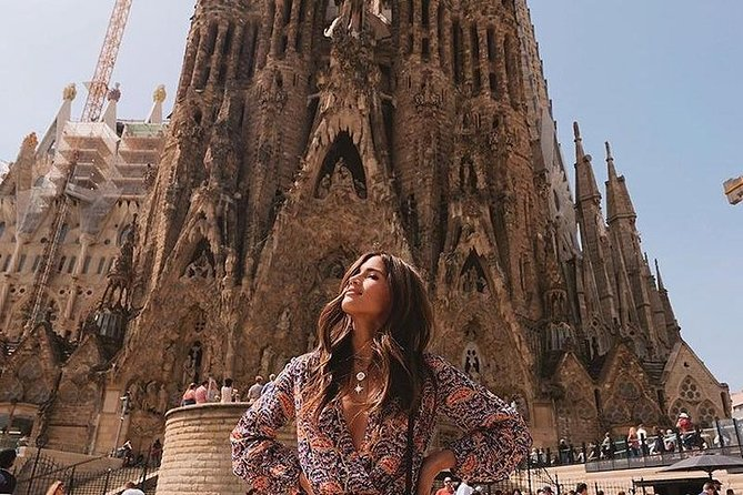 Sagrada Familia Direct Access : Premium Guided Tour with Ticket (Small Group)