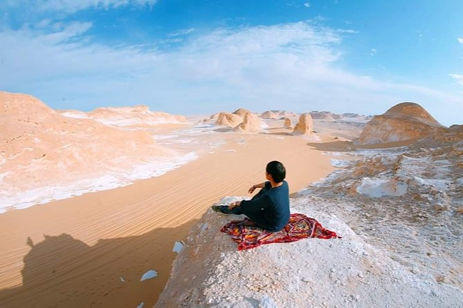 3 Days : Giza Pyramids , Egyptian Museum + Overnight CAMPING in the white desert