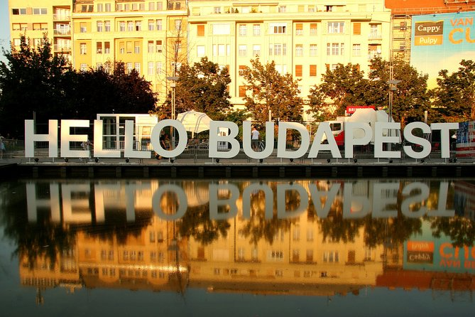 2 hours long private orientation tour in Budapest