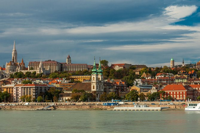 4 hours long private walking tour in Budapest
