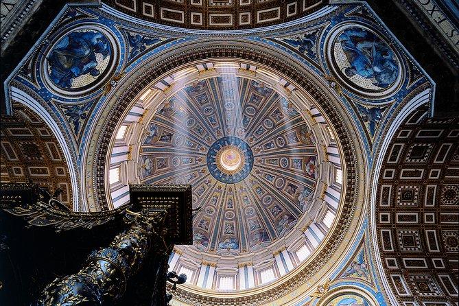 St Peter Basilica Skip the Line Entry + Rome Hop-on Hop-Off Walking Tour