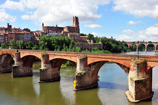 Private Tour of Albi and Medieval Villages from Toulouse with optional guide