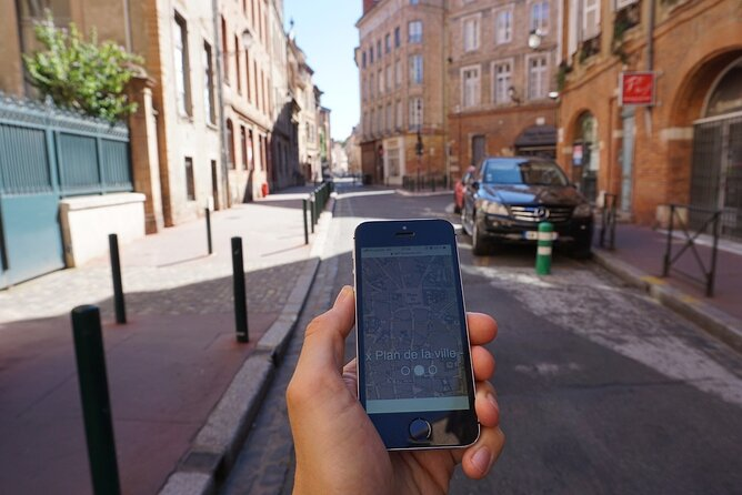 Self-guided track game to discover Toulouse