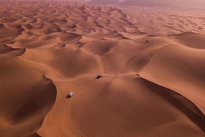 Private 3-hour morning or evening Desert 4x4 Safari in Dubai
