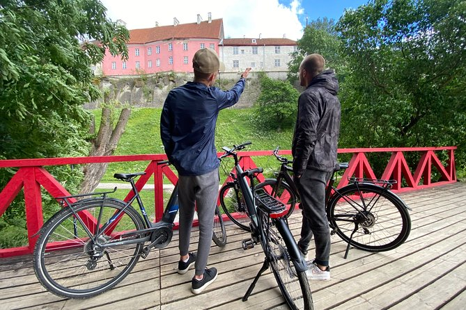 Tallinn Old Town private tour on E-bike