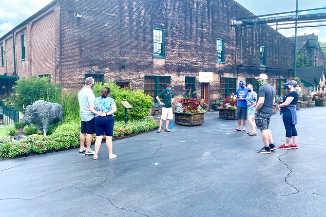 Bourbon Tour: Buffalo Trace + Makers Mark (+19.99 choose one more distillery)