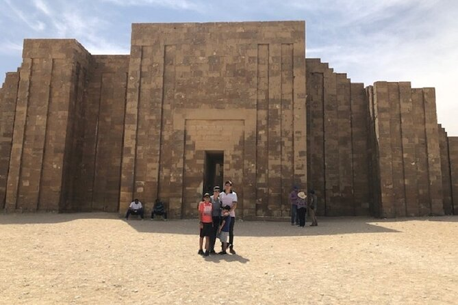Tour to Memphis , Sakkara and Dahshour Pyramids with Egyptian Lunch from Cairo
