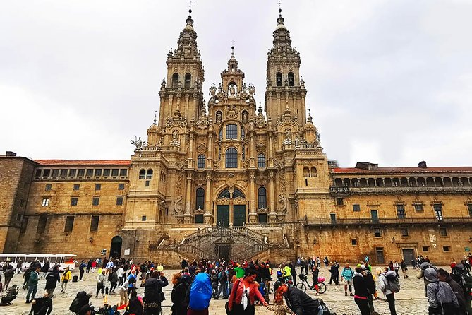 Day tour to Fatima and Santiago de Compostela from Lisbon