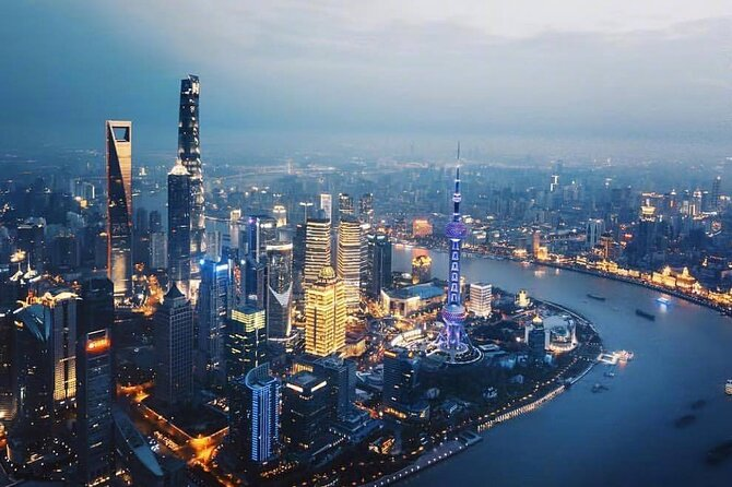 Private Shanghai Layover Tour of City Highlights with All Inclusive Option