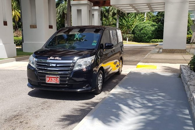 Kingston Airport Private Transfer to Moon Palace Jamaica Grande