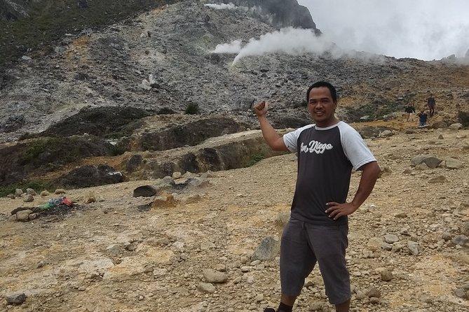 Medan Tour Guide Service