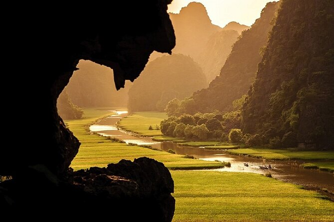 1-day Van Long Natural Reserve and Kenh Ga floating village from Hanoi