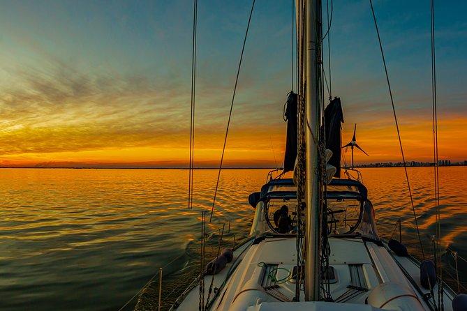 Private Sailboat Cruise in Porto Alegre - Happy Hour