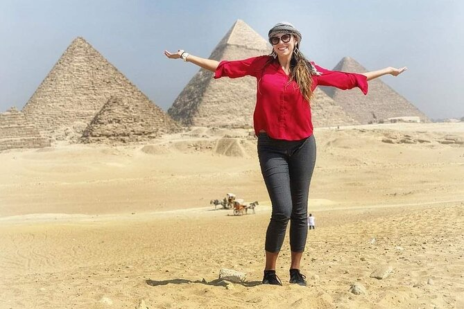 Cairo Combo Tour to Giza Pyramids, Sphinx, Egyptian Museum & Coptic Cairo+ Lunch