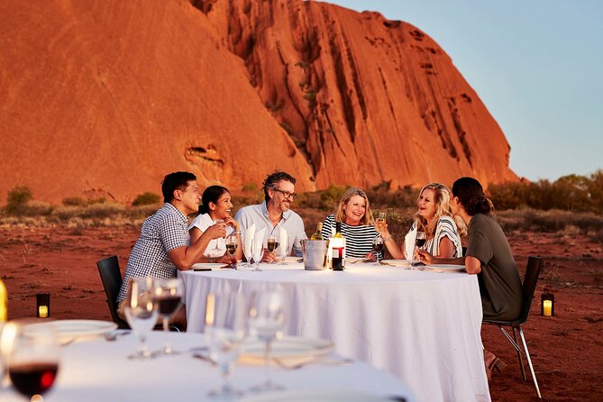 Uluru (Ayers Rock) Sunset with Outback Barbecue Dinner and Star Tour