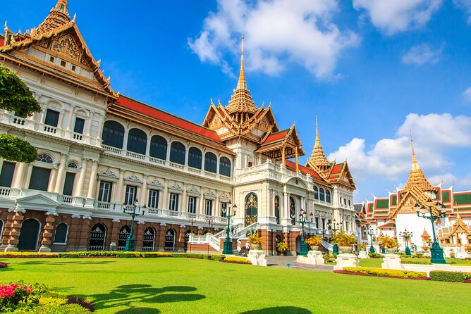 Explore Culture of Bangkok with Private Guide and Driver